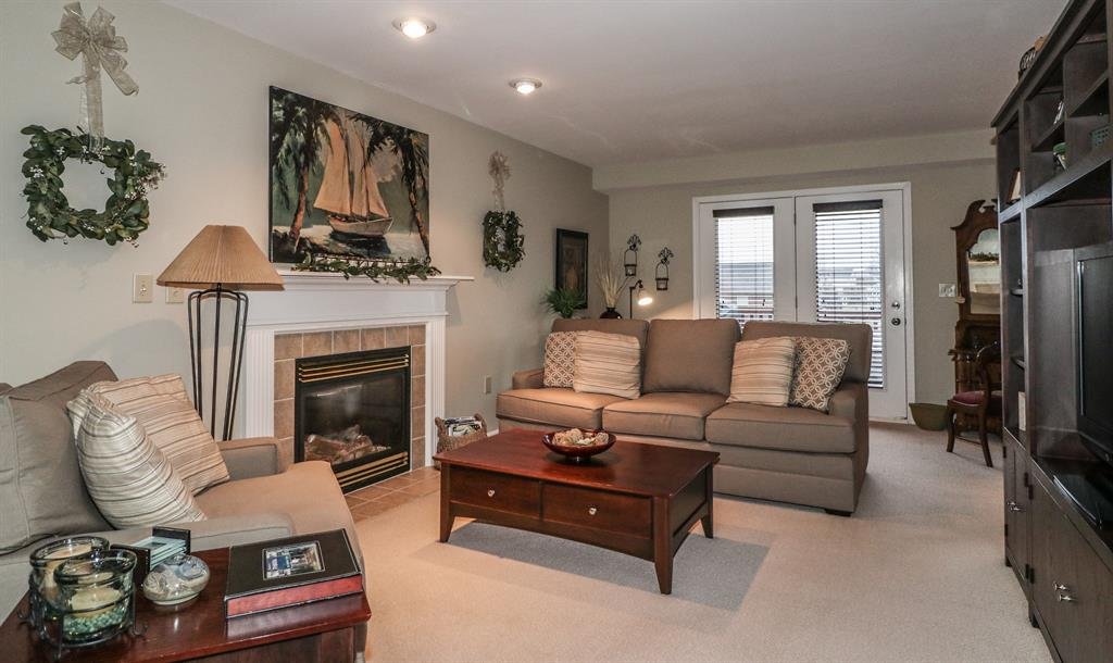 Living Room for 2795 Coachlight Ln Burlington, KY 41005